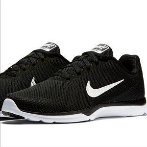 Women's Nike in-season TR 6 training shoes